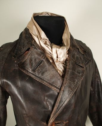 Leather coat collar and revere